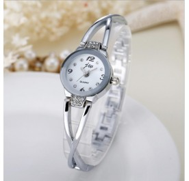 5736e912955 OSUKI Elegant Ladies Crystal Watch (Silver)